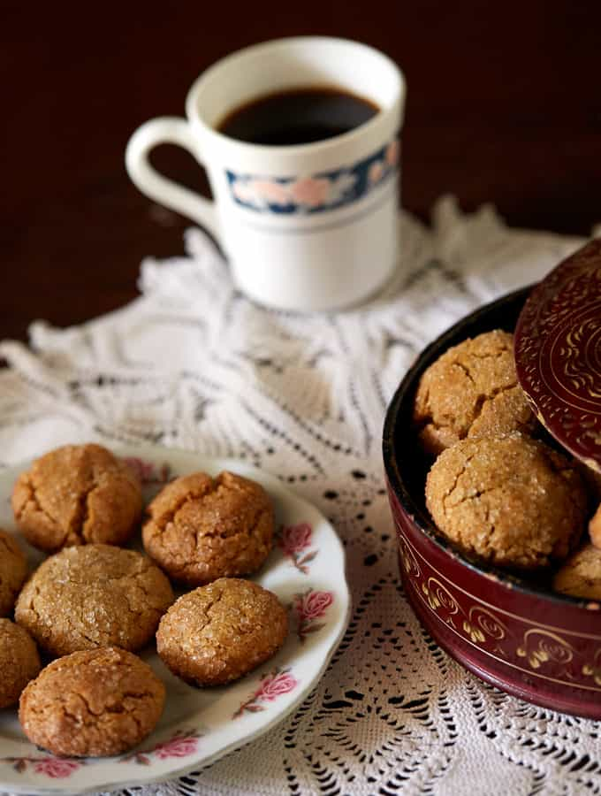 Soft Ginger Cookies with Brown Butter | Becky Keeps House - These soft ginger cookies with brown butter are what happens when masala chai meets a brown butter chocolate chip cookie. You've got to try this!